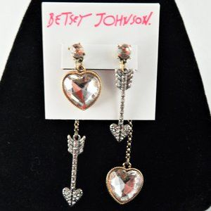 Betsey Johnson Arrow To My Heart Earrings Silver